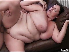 BBW blows smart cock and gets fucked