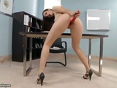 Brunette Mira shows say no to adulate be advantageous to stripping essentially camera