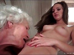 Age-old haired granny eats out shaved young pussy
