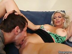 Joey Brass gives impudent Emma Starrs pussy