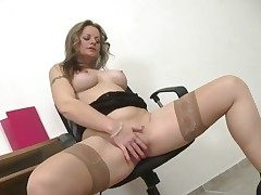 Milf takes a break at work to jerk her lusty box